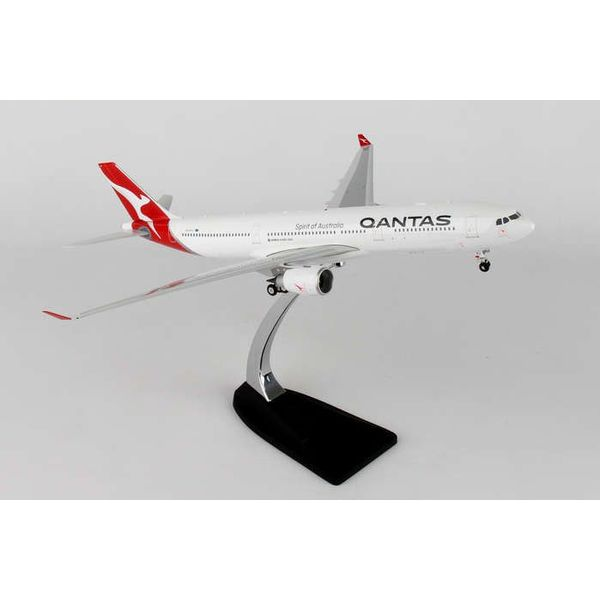 Phoenix A330-300 Qantas Nc16 Vh-Qpj 200