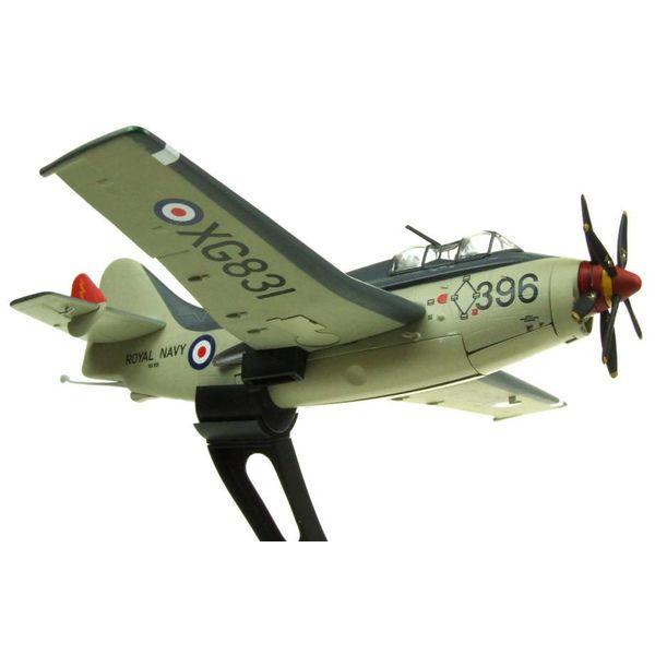 AV72 Gannet AS4 Royal Navy FAA XG831 396 1:72 with stand