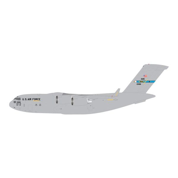 Gemini Jets C17A Globemaster III USAF Dover AFB 10186 1:200 with stand