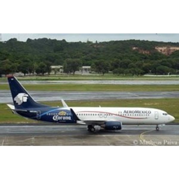 Phoenix B737-700w Aeromexico Corona C/S N861AM 1:400