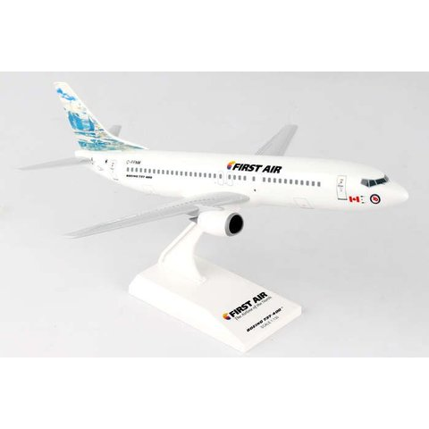 B737-400 First Air Iceberg C-FFNM 1:130 with stand
