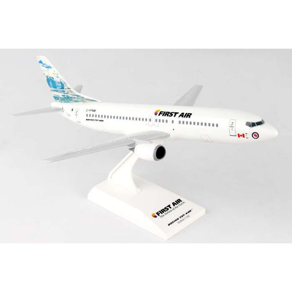 SkyMarks B737-400 First Air Iceberg C-FFNM 1:130 with stand