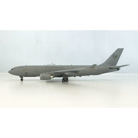 A330-200 KC30 MRTT RAAF Royal Australian Air Force A39-001 1:200 with stand