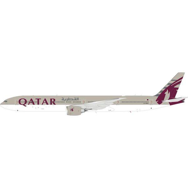 InFlight B777-300ER Qatar Airways A7-BAA 1:200 with Stand