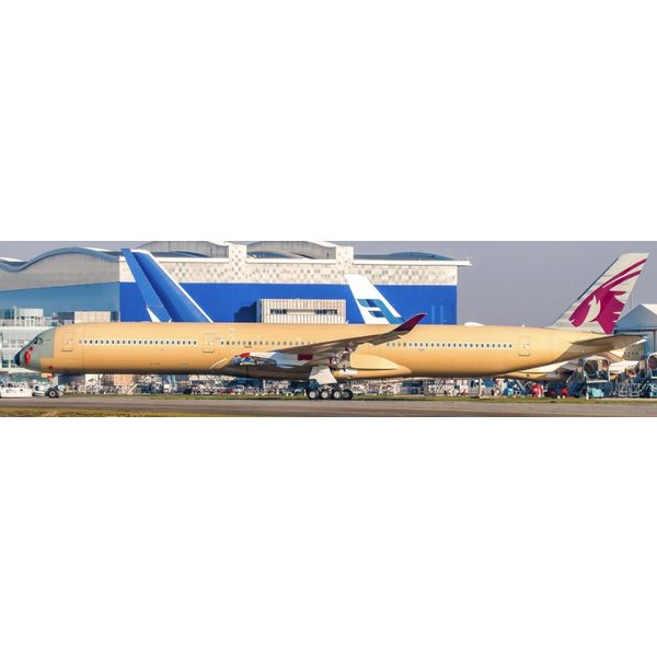 JC Wings A350-1000 Qatar Airways primer Livery F-WZNR 1:200 flaps down with stand