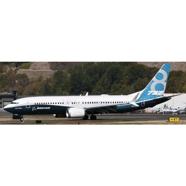 JC Wings B737 MAX8 Boeing House Blue Livery N8701Q 1:200 with stand