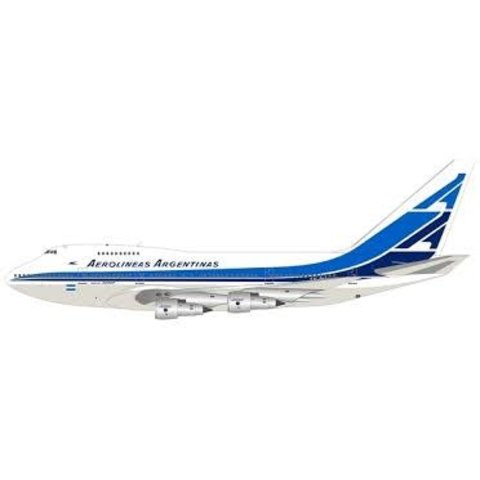 B747SP Aerolineas Argentinas LV-OHV 1:200 with stand
