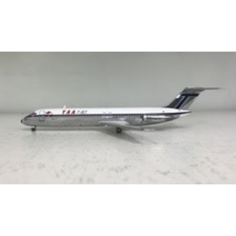 DC9-30 Trans Australia TAA VH-TJN 1:200 polished with stand