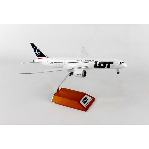 JC Wings B787-8 LOT Polish SP-LRD 1:200 with stand**o/p**