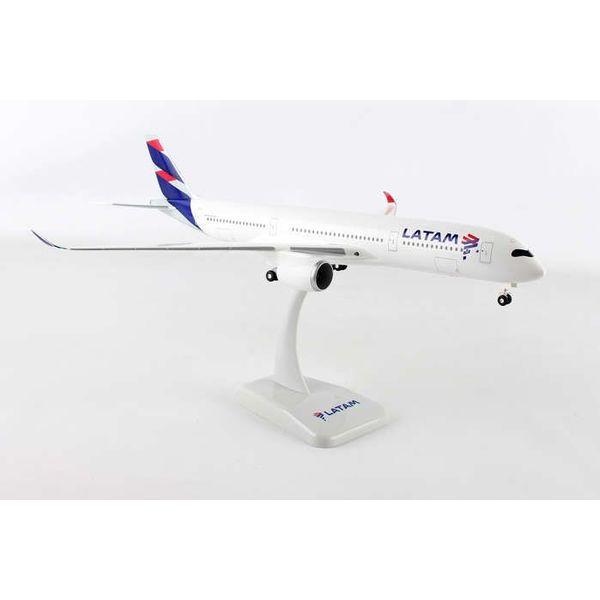 Hogan Latam A350-900 1/200 W/Gear