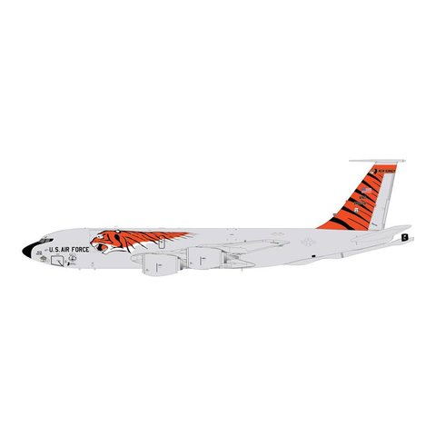 KC135R USAF ANG New Jersey ANG Tiger Livery 1:200 with stand
