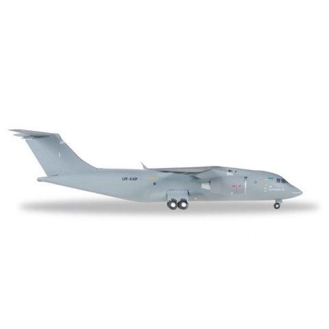 AN178 Antonov Design Bureau 1:200