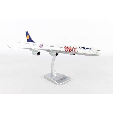 A340-600 Lufthansa FC Bayern 1:200 with stand (No Gear)