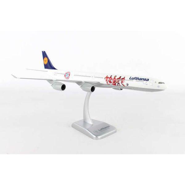 Hogan A340-600 Lufthansa FC Bayern 1:200 with stand (No Gear)