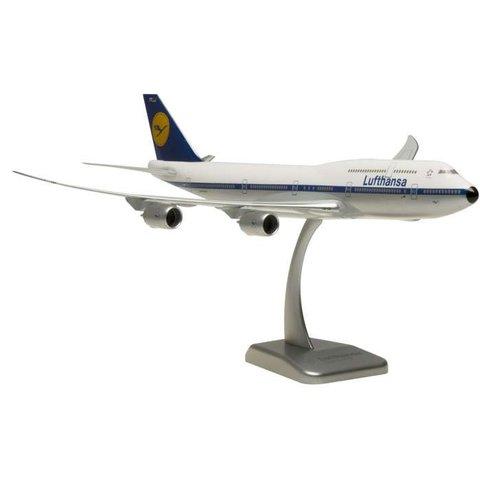 B747-8I Lufthansa Retro 1:200 with stand (no gear)