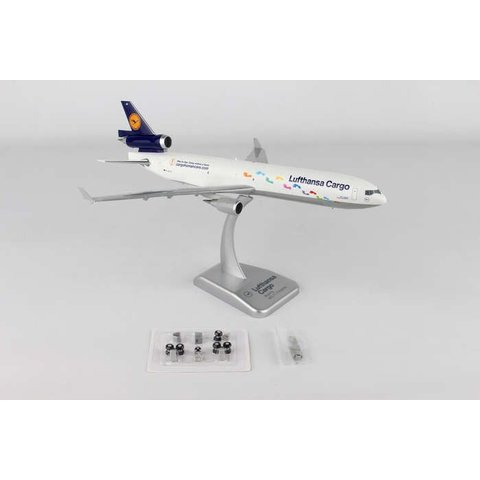 MD-11F Lufthansa Step By Step D-AICH 1:200 with gear +stand