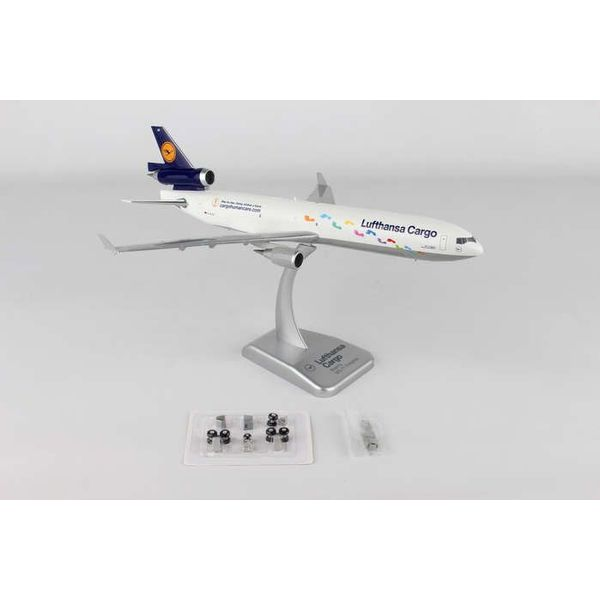 Hogan MD-11F Lufthansa Step By Step D-AICH 1:200 with gear +stand