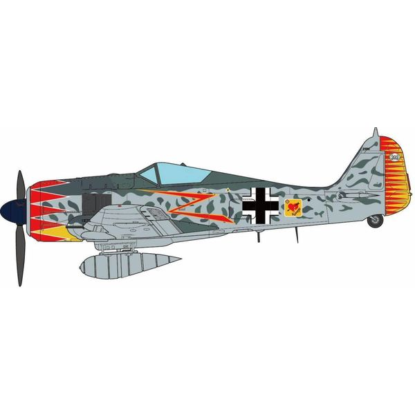 JC Wings FW190A5 JG52 Luftwaffe Major Herman Graf Southern France 1943 1:72 with stand