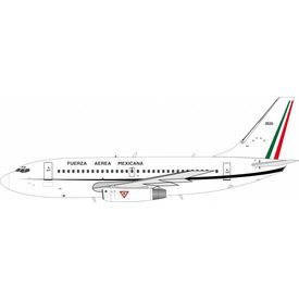 InFlight B737-200 Mexican Air Force FAM 3520 1:200 with stand