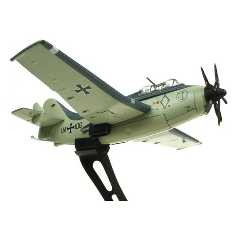 Gannet AS4 German Navy UA+106 preserved Berlin-Gatow 1:72 with stand