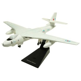 AV72 Valiant BK1 Royal Air Force NucFlash white RAF Cosford Museum XD818 1:144 with stand