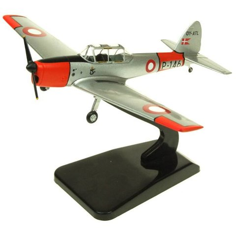 DHC1 Chipmunk Danish Air Force P-146 OY-ATL Silver / orange 1:72 with stand