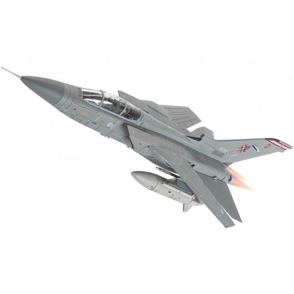 Corgi Tornado F3 29 Squadron 1435 Flight RAF ZG797 D Desperation Mt. Pleasant Falklands 1:72 with stand