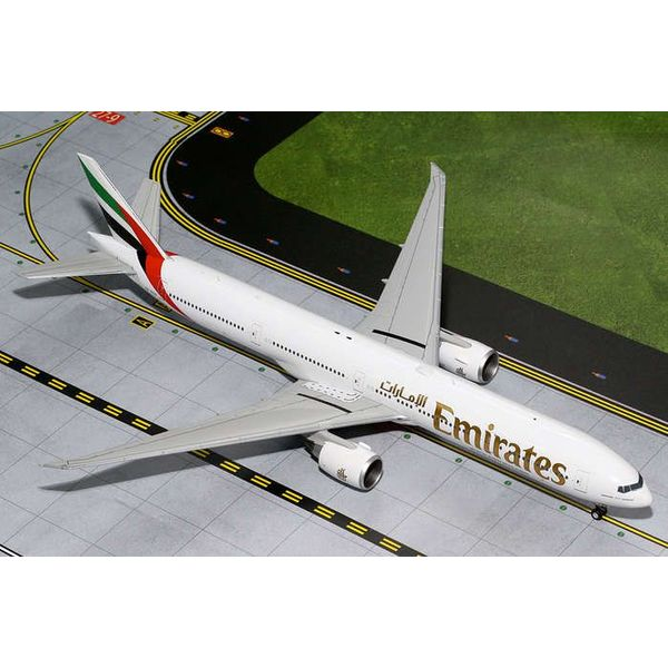 Gemini Jets B777-300ER Emirates A6-EGQ 1:200 with stand