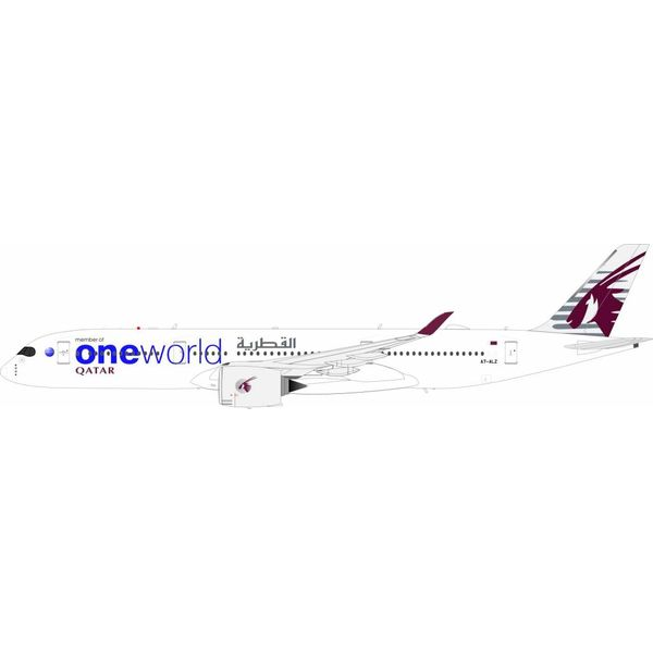 InFlight A350-900 Qatar Airways OneWorld A7-ALZ 1:200 With Stand