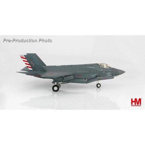 F35B Lightning II VMFA211 USMC 168732 CF-01 2017 1:72 with stand