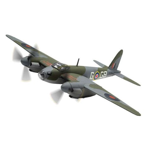 Mosquito BIV 105 Squadron RAF DK296 GB-G F/L D.A.G. Parry 1:72 with stand