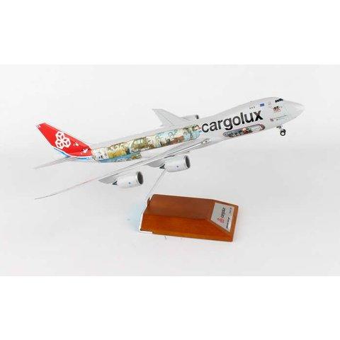 B747-8F Cargolux cutaway LX-VCM 1:200 with stand**o/p**