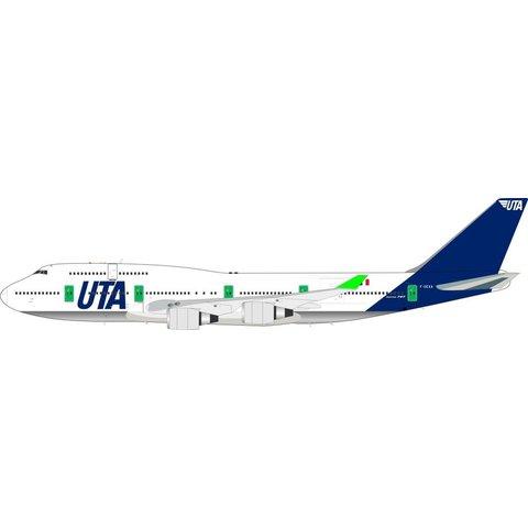 B747-400 UTA F-GEXA 1:200 with Stand