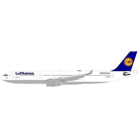 A330-300 Lufthansa D-AIKJ 1:200 with Stand