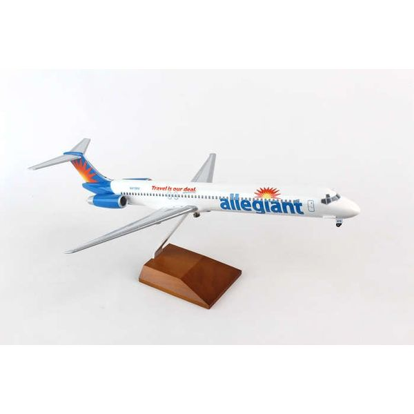Skymarks Supreme MD80 Allegiant N415NV 1:100 Supreme With wooden stand + gear