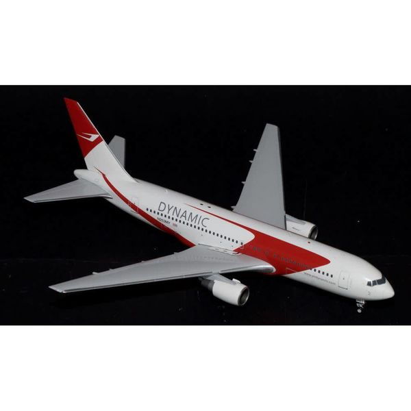 JC Wings B767-200 Dyamic Airways N253MY 1:200 with stand