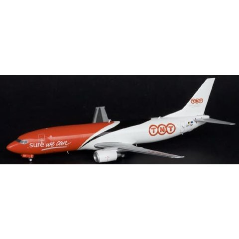 B737-400F TNT OO-TNP 1:200 with stand**o/p**