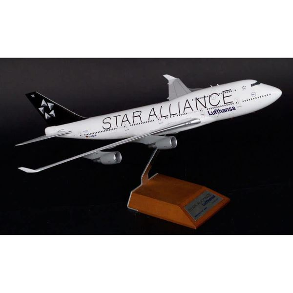 JC Wings B747-400 LUFTHANSA STAR ALLIANCE 1:200**o/p**