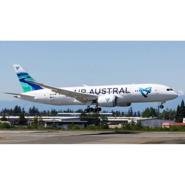 JC Wings B787-8 AIR AUSTRAL F-OLRC 1:400