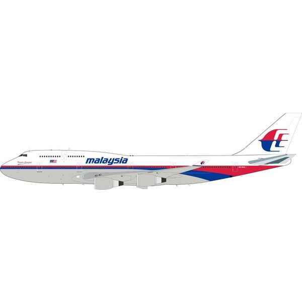 InFlight B747-400 Malaysia Airlines 9M-MHL 1:200 with stand