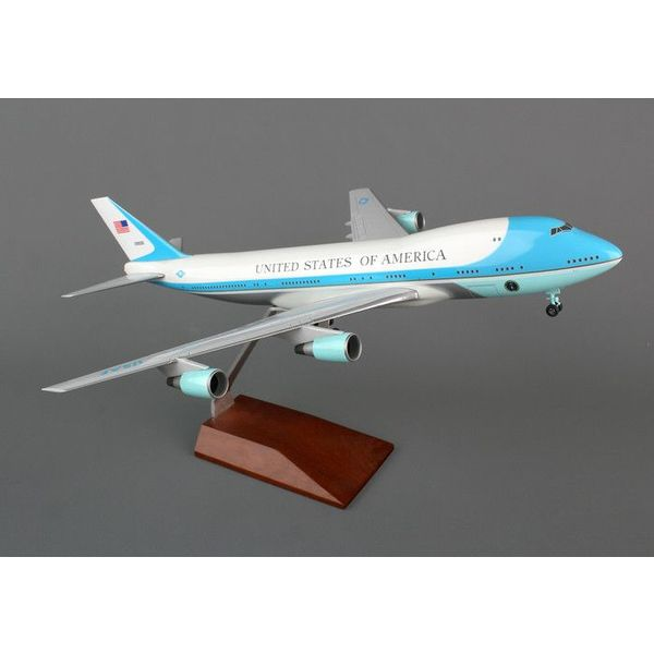 SkyMarks Air Force One VC25 1:200 With Gear & Wood Stand