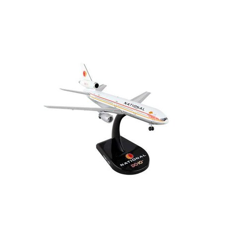 DC10 National Airlines 1:500 with stand