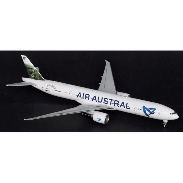 JC Wings B777-300ER AIR AUSTRAL F-ONOU 400