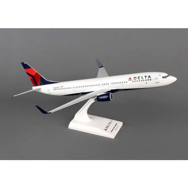 SkyMarks B737-900ERW Delta 2007 livery  1:130 with stand