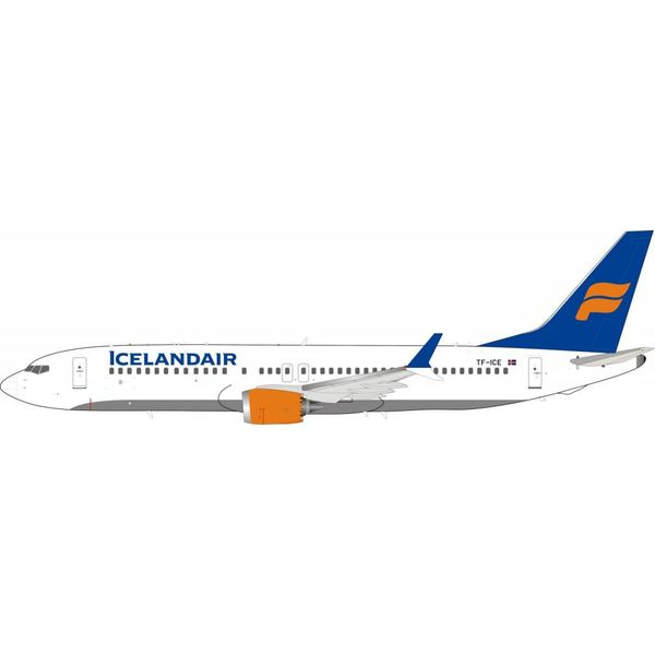 InFlight B737 MAX8 Icelandair TF-ICE 1:200 With Stand