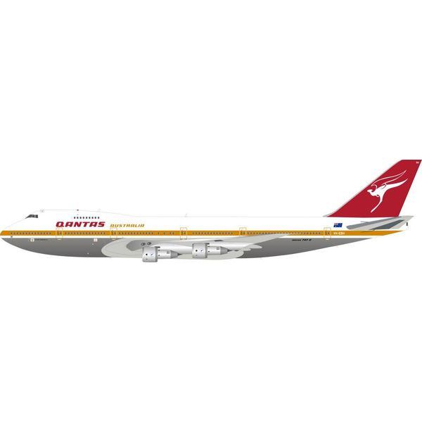 InFlight B747-200 QANTAS Australia City of Newcastle old livery VH-EBH 1:200 Polished With Stand