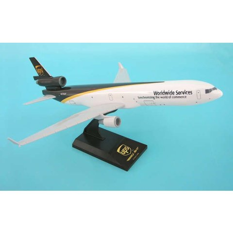 MD11F United Parcel Service UPS 1:200 with stand (no gear)