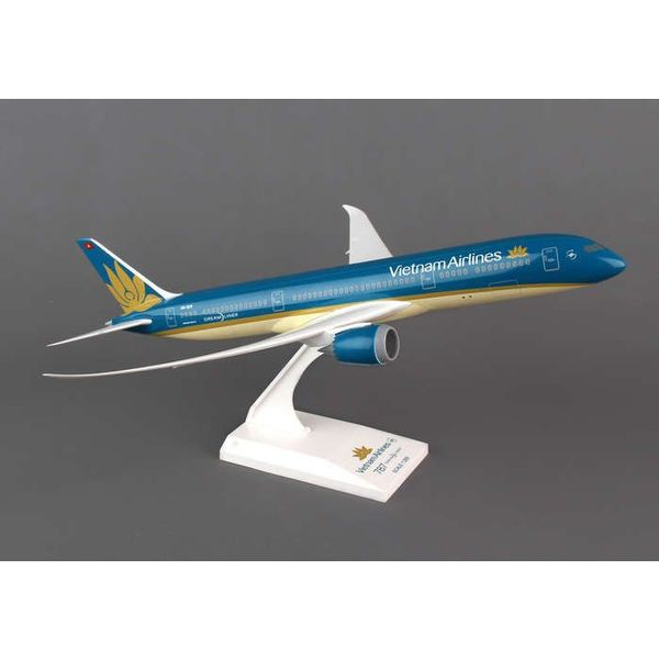 SkyMarks B787-9 Vietnam Airlines 2014 Livery 1:200 with stand