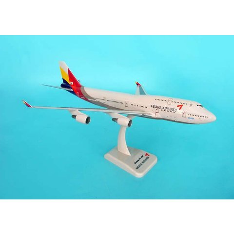 B747-400 Asiana 2006 Livery 1:200 with gear + stand