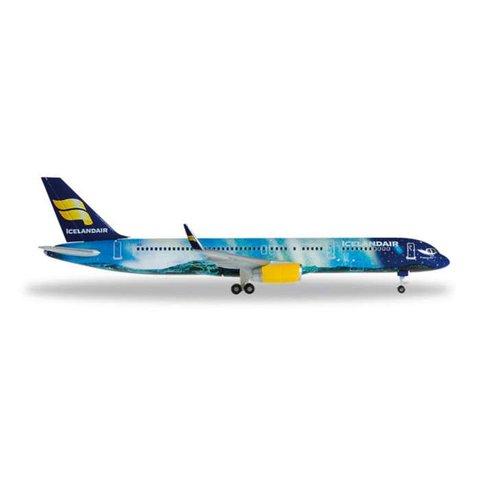 B757-200 Icelandair Hekla Aurora TF-FIU 1:500